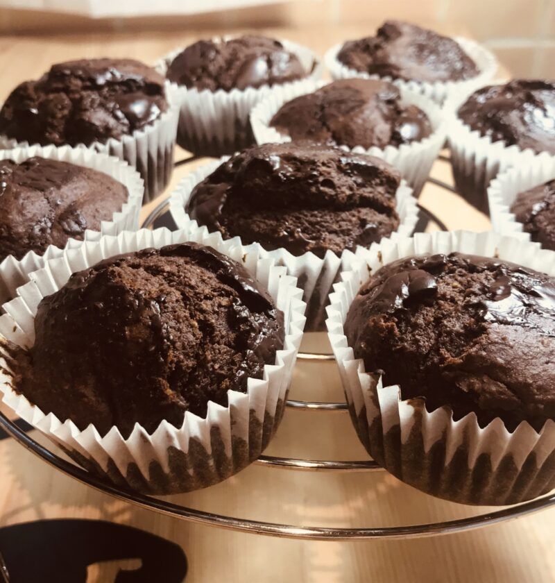 magdalenas de chocolate sin azucar, receta dulce para veganos, sin huevos, sin leche