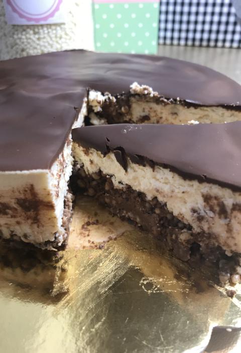 fit tarta de queso, pocas calorias, con coco y chocolate, kt kat tarta fria fit